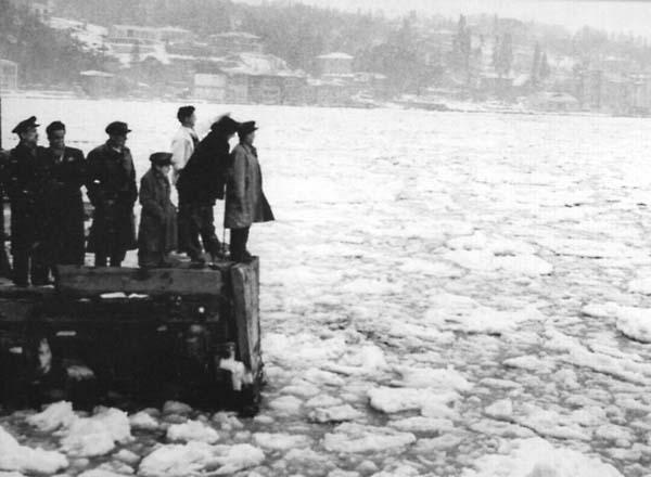İstanbul Boğazı Buz Tuttu 1954